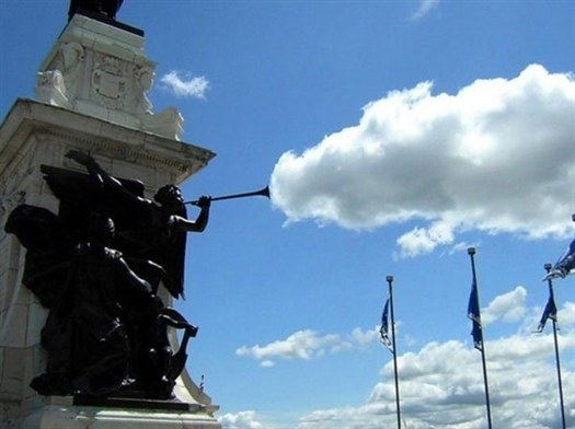 19-statue-cloud-perfect-tim
