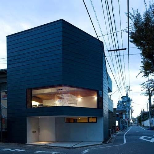 Modern Japanese Urban House by